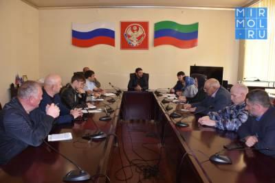 Подготовку к празднованию Дня Победы обсудили в Акушинском районе