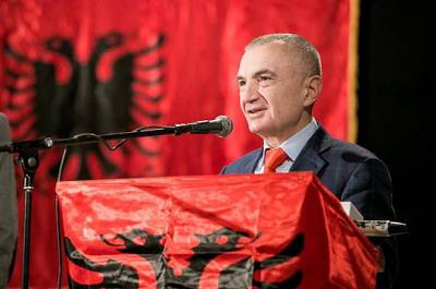 Депутаты парламента Албании объявили импичмент президенту страны