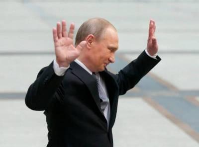 Путин ушел на самоизоляцию. Песков уверяет, что президент здоров